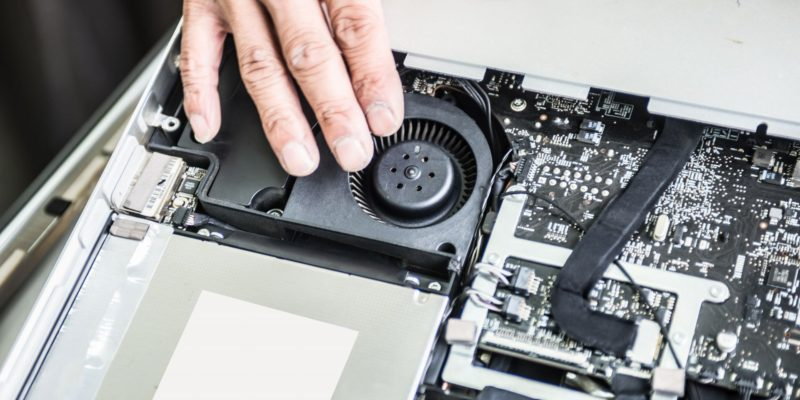 大切なパソコンの修理はおまかせください。 一台一台ていねいに修理いたします。