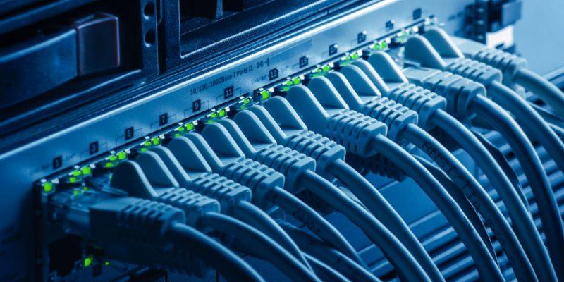 有線・無線ネットワーク構築いたします。Free Wi-Fi導入や一般家庭の無線(Wi-Fi)もお任せ下さい。
